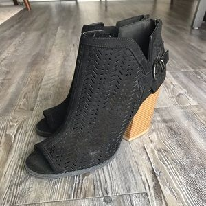 Qupid Shoes - Black Sandal-Style Booties